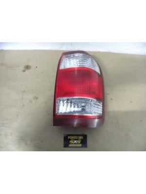 Lanterna Lado Direito Nissan Pathfinder 2003